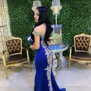 Anny Lee dark blue gold elegant gown